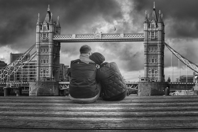 Pontile di Gavirate con vista su Londra