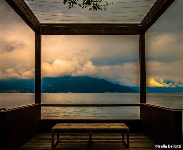 Balcone autunnale sul lago